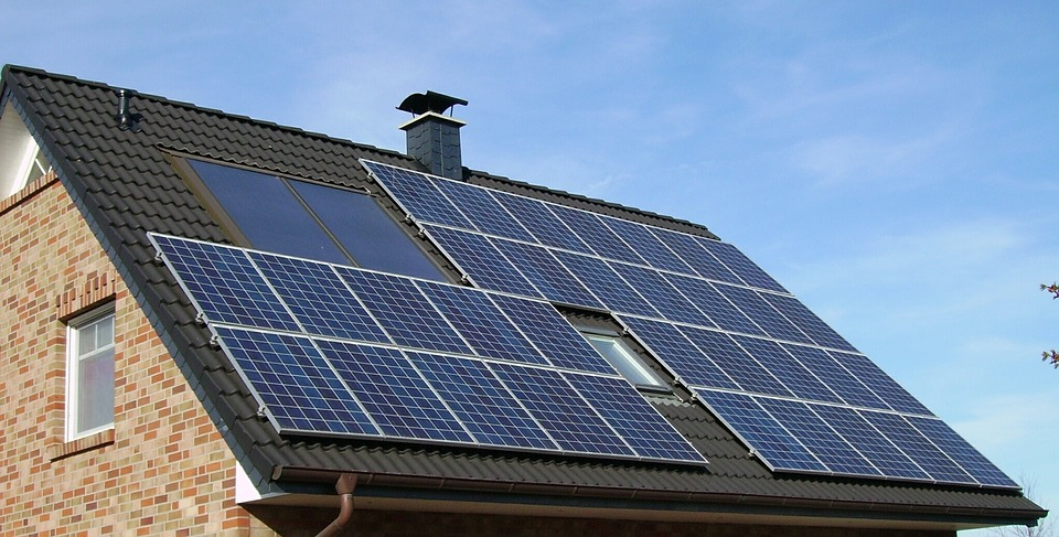 Tesla Solar Tiles Panels Article Featured Image